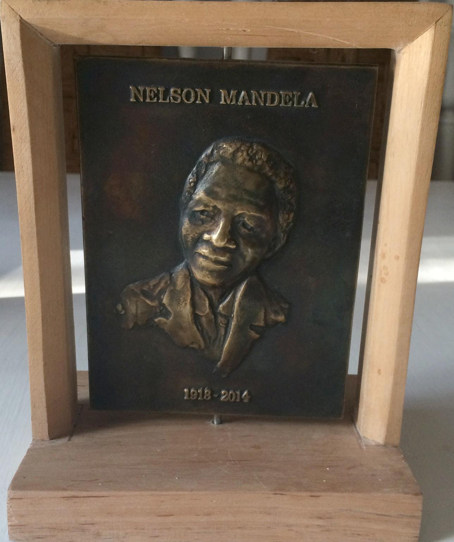 Łęski Paweł - Nelson Mandela (awers), mosiądz, 10x14 cm, 2016