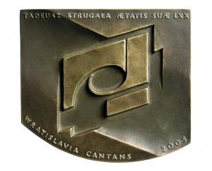 Tadeusz Strugała, brąz lany, 100 x 115 mm, 2005 , rewers