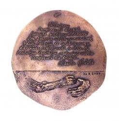 Wanda Błeńska – lekarz trędowatych (rewers), brąz, 15,7 x 14,8 cm,...
