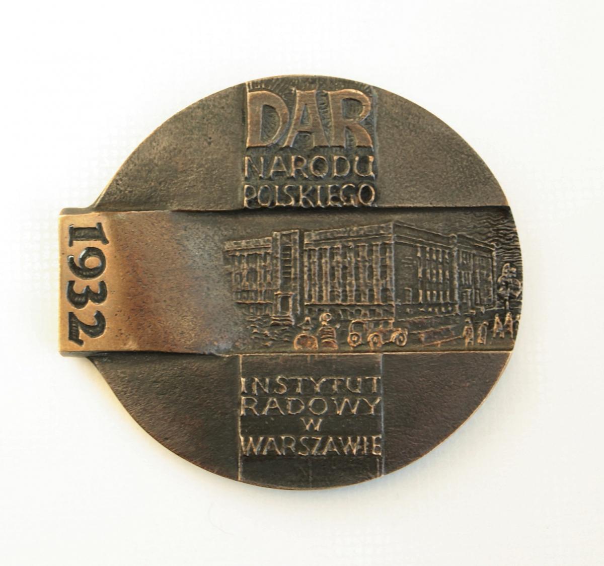 Wąsacz Józef - 75 lat Centrum Onkologii w Warszawie (rewers) – brąz, 9,2 x 8,2 cm, 2007