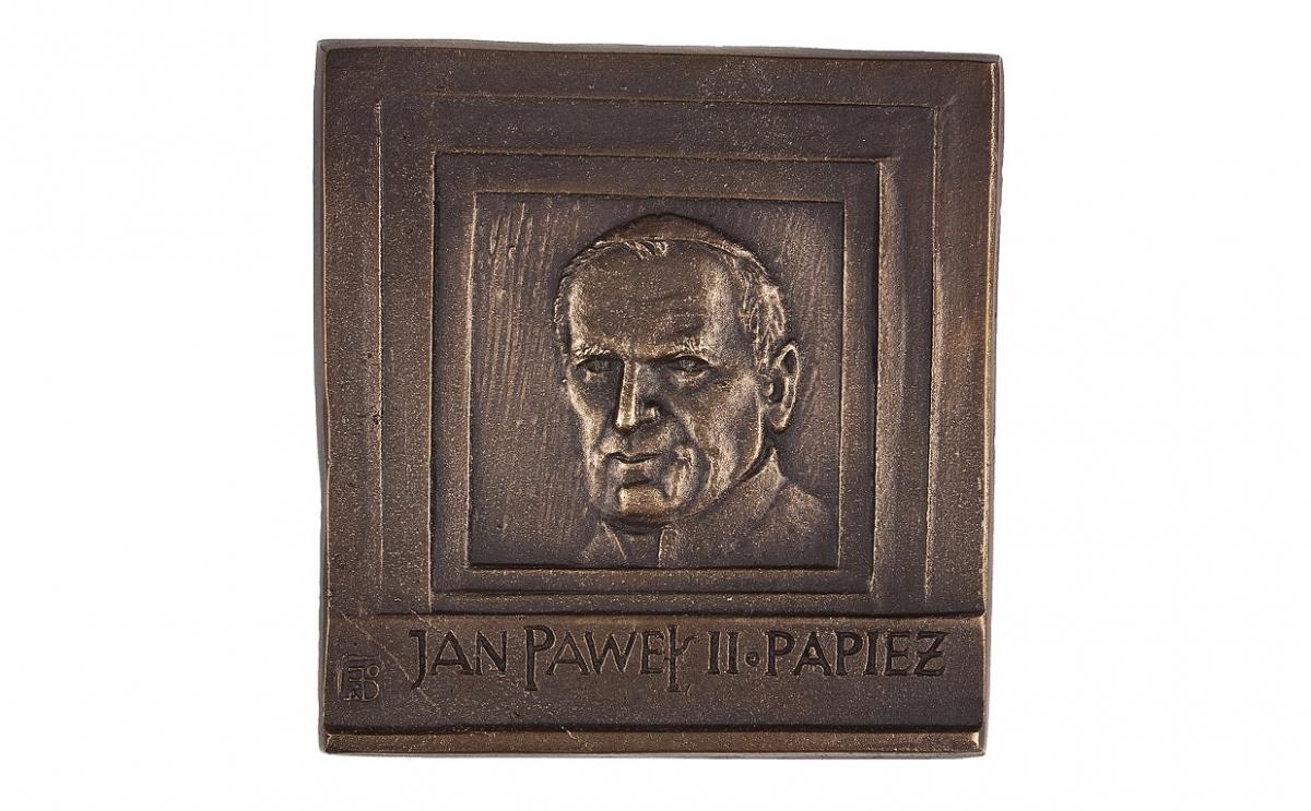 """Jacek Dworski - """"Jan Paweł II. Papież"""", brąz patynowany, 85 x 90 mm"""